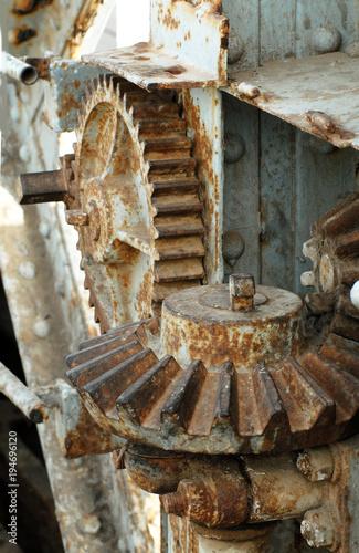 Fotografia, Obraz  Saint Louis du Sénégal (Sénégal) Pont Faidherbe, mécanisme, roues dentelées