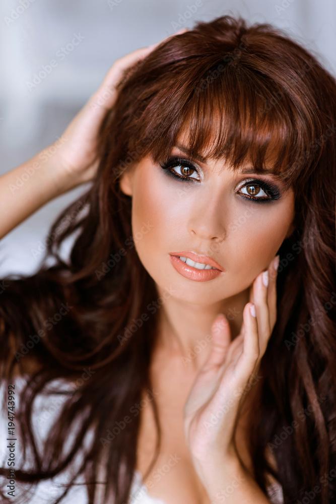 Sexy brunette geboord