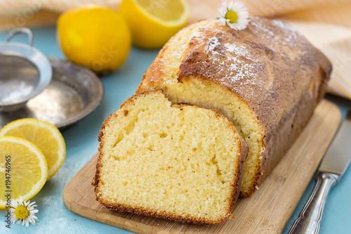Cuadros en Lienzo Sweet lemon sponge cake for tea