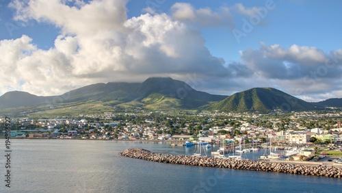 Tour de l'île de Saint Kitts et Nevis depuis Basseterre Wallpaper Mural