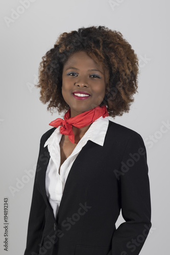 Photo Guapa azafata de vuelo africana