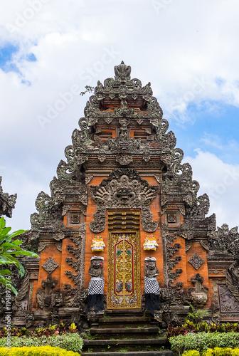 In de dag Indonesië Pura Taman Saraswati Temple in Ubud, Bali