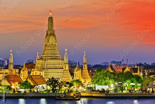 Foto op Canvas Bangkok Wat Arun Ratchawararam, a Buddhist temple in Bangkok, Thailand