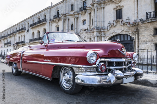 Türaufkleber Autos aus Kuba Auto antiguo clasico en La Habana