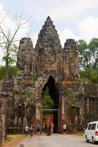 Tuinposter Bali ANGKOR WAT, SIEM REAP, CAMBODIA, October 2016, Visitors at South Gate to Angkor Thom