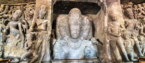 Photo  Trimurti Sadashiva sculpture in the cave 1 on Elephanta Island