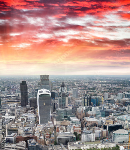 Photo  Aerial view of City of London skyline