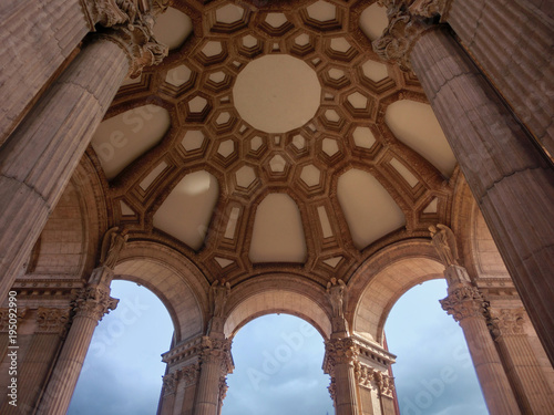 Obraz Palace of fine arts San Francisco presidio outdoor architecture - fototapety do salonu
