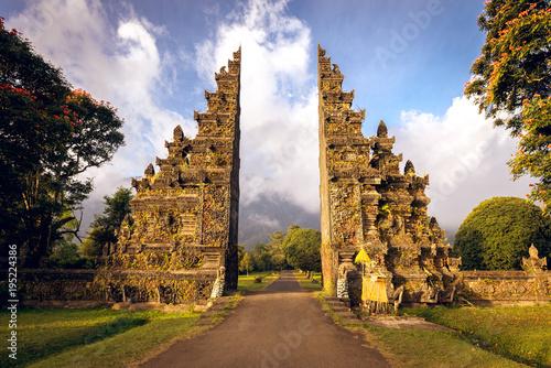 Photo  Hindu gate in Bali