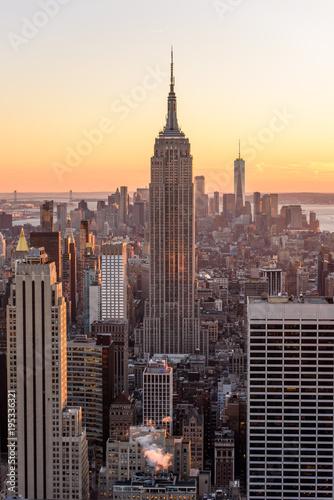 Keuken foto achterwand New York Lower Manhattan Downtown skyline panorama from Brooklyn Bridge Park riverbank, New York City, USA