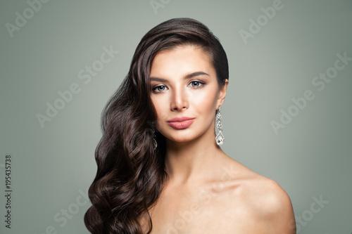 Fototapety, obrazy: Pretty woman with diamonds earrings