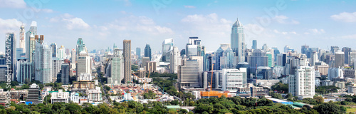 Foto  High building and tower in Bangkok Thailand, panorama of office buildings in dow