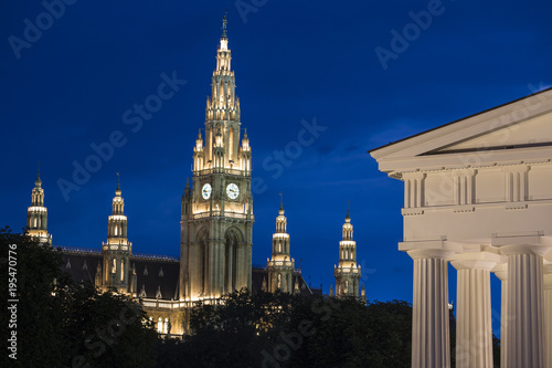 Volksgarten (Peoples Garden), Theseus Temple and Town Hall, Vienna, Austria, Europe