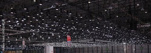 Fotografia  Beleuchtung einer großen Halle