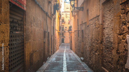 Spoed Foto op Canvas Smal steegje Old Spanish alley