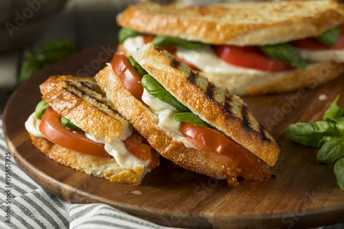 Cadres-photo bureau Snack Healthy Grilled Basil Mozzarella Caprese Panini
