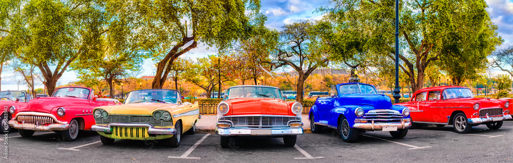 Fototapety, obrazy: Colorful group of classic cars in Old Havana, an iconic sight in Cuba