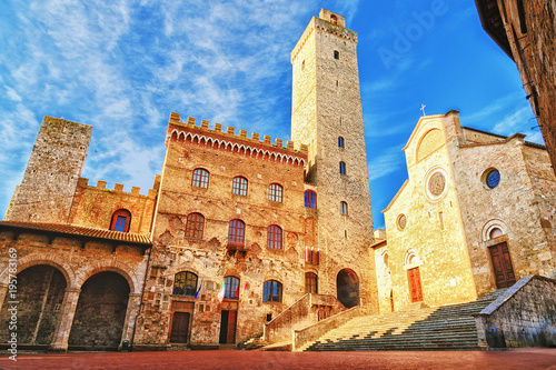 obraz PCV Picturesque View of famous Piazza del Duomo in San Gimignano at sunset, Tuscany, Italy