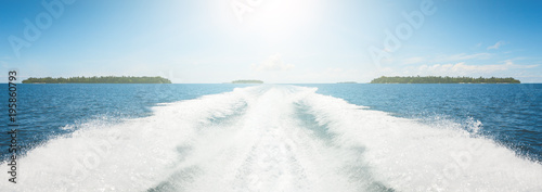 Cuadros en Lienzo Background water surface behind of fast moving motor boat in vintage retro style