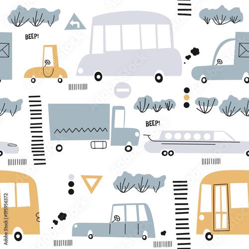 wzor-z-recznie-rysowane-ladny-samochod-idealny-dla-dzieci-tkanina-tkanina