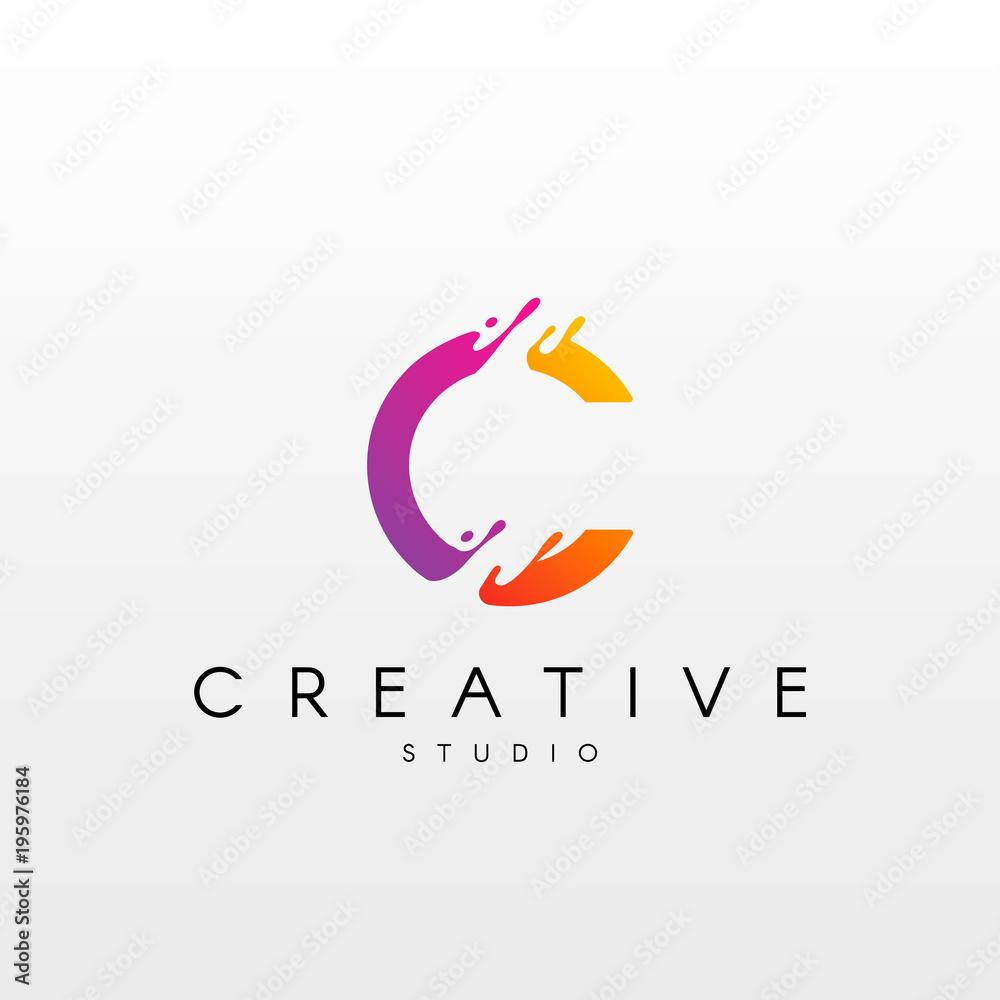 Fototapety, obrazy: Dynamic Letter L Logo. Logo Design with Dynamic Splash Liquid.
