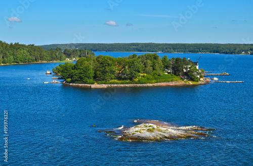 Photo Swedish settlements on islets of Stockholm Archipelago in Baltic Sea, Sweden