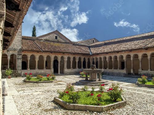 Photo Abbazia Cistercense di Follina, Chiostro interno