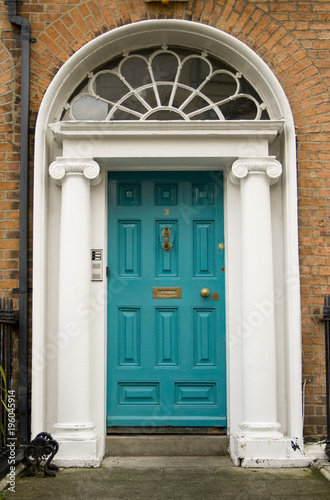 Stampa su Tela  Original turquoise Georgian door