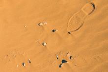 Fußspuren Im Sand Am Meer In ...
