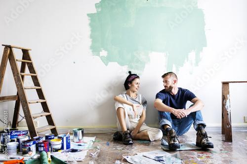 Cuadros en Lienzo Couple renovating the house