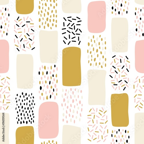 abstrakcjonistyczny-bezszwowy-wzor-z-chaotycznymi-malujacymi-elementami-kreatywny-uniwersalny-artystyczny-zabawa-tlo-w-skandynawskim-stylu-wektor-recznie-rysowane-ilustracji-w-kolorach-rozowy-zloty-i-czarny