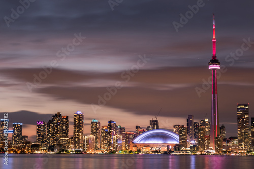 Stampa su Tela  Modern buildings in Toronto city skyline at night, Ontario, canada