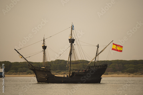 Foto auf AluDibond Schiff Nao Victoria en Sanlucar de Barrameda