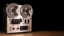 Reel To Reel Taperecorder Play...