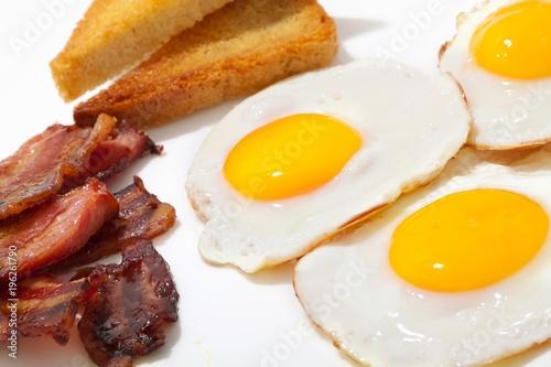 Plakat Śniadaniowy posiłek - jajka, grzanka i bekon