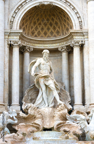 Staande foto Fontaine Gros plan sur la fontaine de Trevi à Rome, Italie