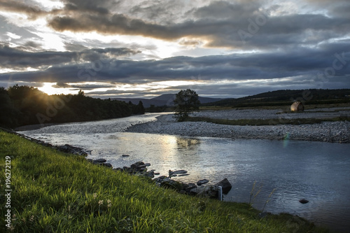 River Dee and Royal Deeside near Braemar, Aberdeenshire, Scotland, United Kingdom Fototapet
