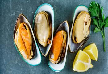 Fototapeta steamed sea mussels