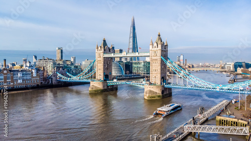 Montage in der Fensternische London Aerial view on Tower Bridge and Shard in sunny day, London