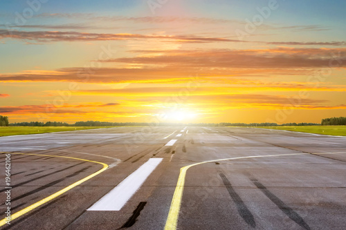 Foto op Aluminium Luchthaven Golden hour time of shine sunset with landscape airport of runway.