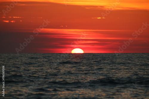 Cadres-photo bureau Brique mer coucher soleil orange ete