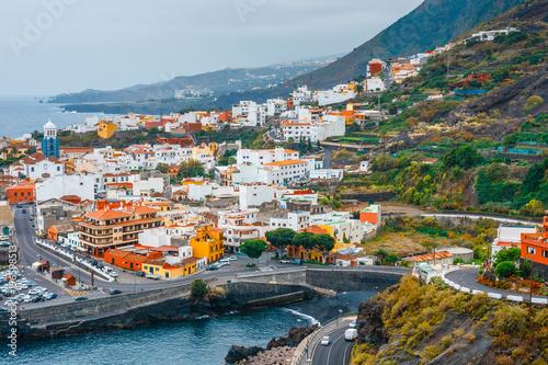 Fototapeta premium Widok z lotu ptaka Garachico na Teneryfie, Wyspy Kanaryjskie, Hiszpania
