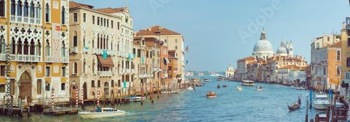 Poster Channel anoramic view of Canal Grande with Basilica di Santa Maria della Salute in Venice, Italy.