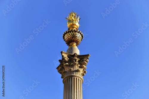 Fototapeta Korinthische Säule im Paternoster Square,, London, Region London, Großbritanien