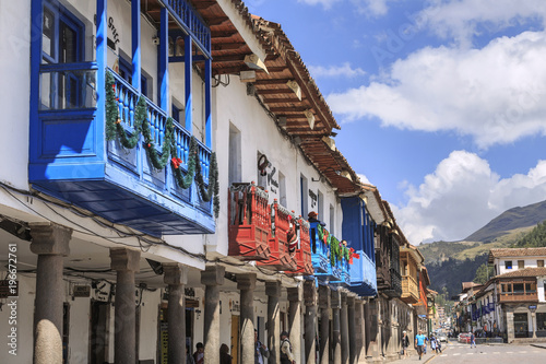 Spoed Foto op Canvas Zuid-Amerika land Ancient buildings in the Plaza de Armas of Cusco city which is located in Sacred Valley of the Incas.