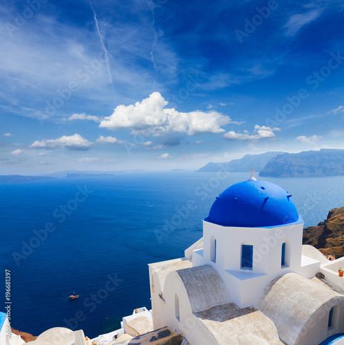 Papiers peints Santorini traditional blue dome with sea, Santorini