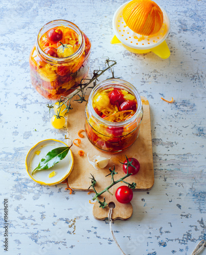 Poster Aromatische Pickled cherry tomatoes