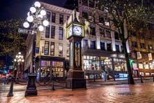 Iconic Steam Clock At Night, Long Exposure Of The Gastown - Vancouver, British Columbia, Canada. One Of The Most Vibrant City In North America.
