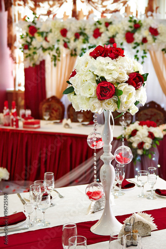 Wedding Table Decoration. Beautiful flowers on the table