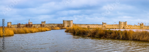 Photo Panorama de la Cité de Aigues-Mortes depuis les étangs de Camargue